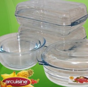 Pyrex 8 pieces